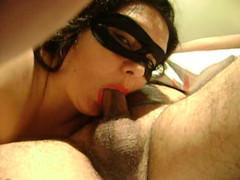 Esposa safada pagando  gulosa pro marido