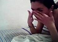 Novinha chorando com medo de dar seu cuzinho