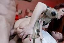 Prostituta gostosa fazendo sexo anal brutal