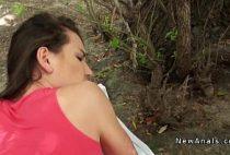 Sexo amadro anal na floresta, comendo cuzinho da novinha no mato