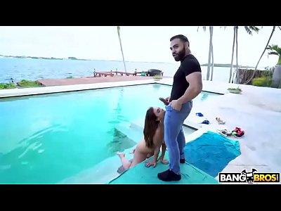 Porno grátis Kelsi Monroe em sexo anal